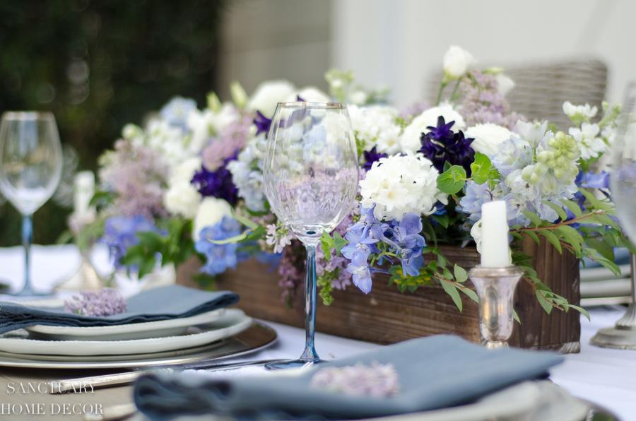 Rustic-Centerpiece-purple-flowers-Outdoor-Party.jpg