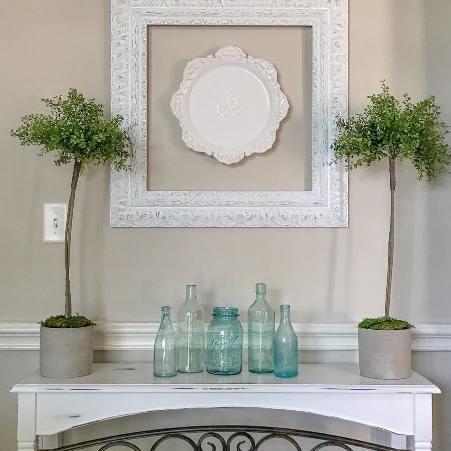 How-To-Decorate-An-Accent-Table.jpg