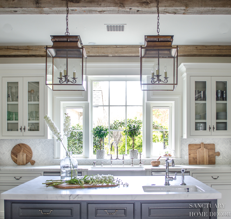 White-Country-Kitchen-Lantern-Pendants.jpg