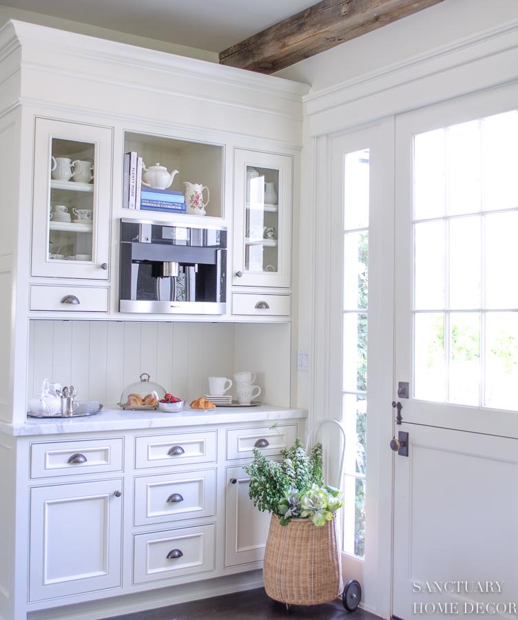White Kitchen Cabinets 3
