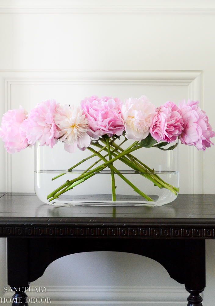 I love the simplicity of these blooms in a glass vase.