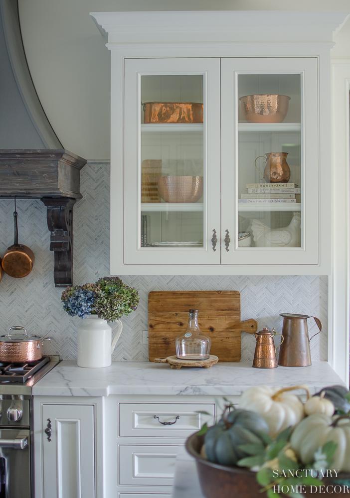 Farmhouse Kitchen with Fall Decor-9.jpg
