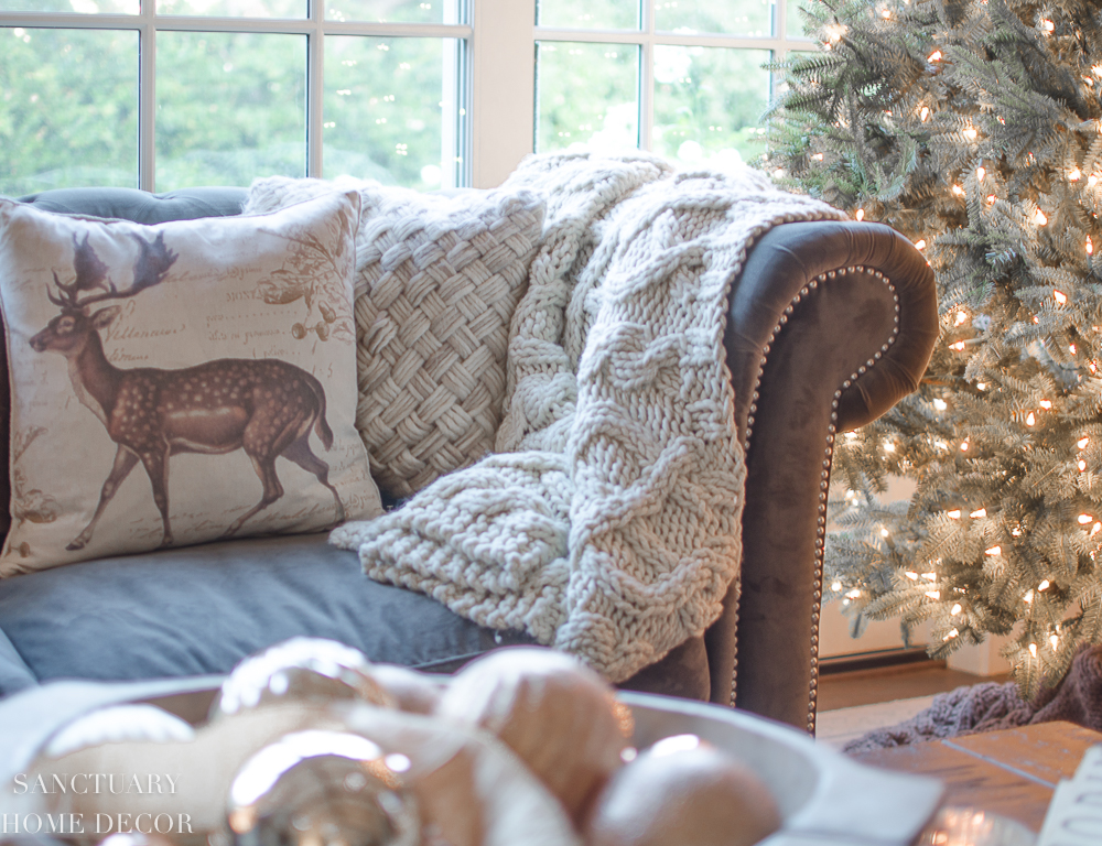 Tips for Transitioning from Fall to Winter Decor