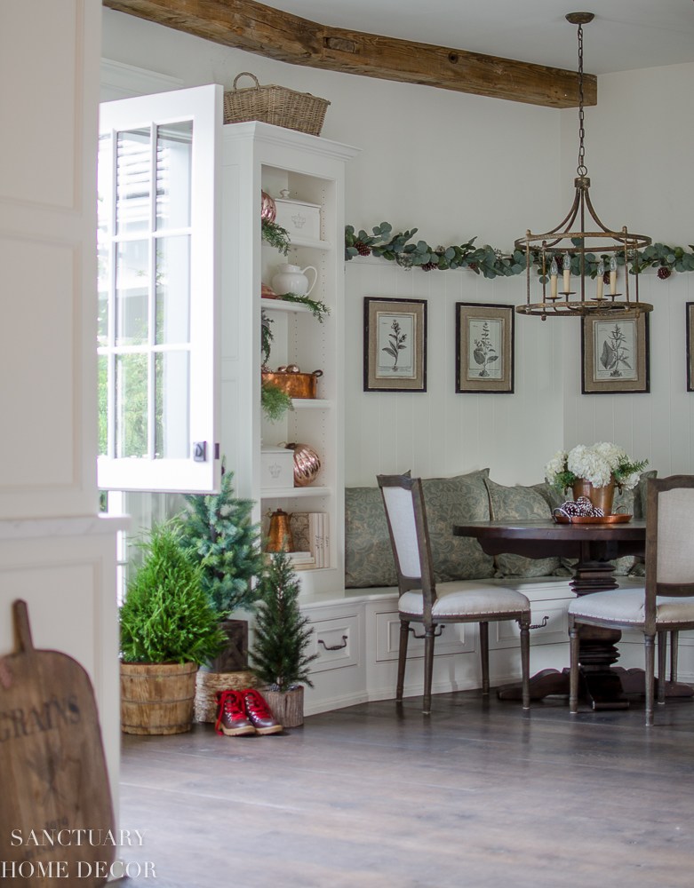 Christmas inChristmas Decorating in the Kitchen The Breakfast Nook-15.jpg