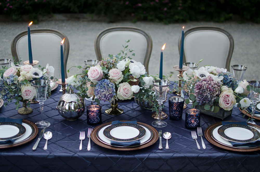 A-Vintage-Romantic-Holiday-Table