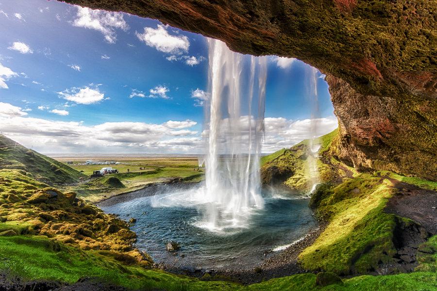 seljalandsfoss-iceland-waterfalls-legit-trips