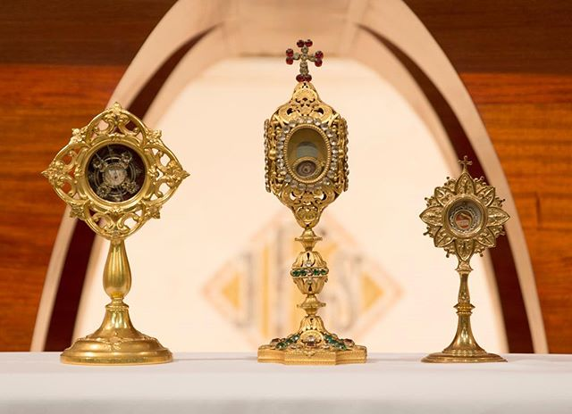 Happy Feast of All Saints Day! . . #allsaintsday #catholic #prayer