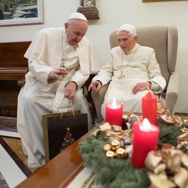 A special moment during this Christmas season when Pope Francis met with Pope Emeritus Pope Benedict XVI! 📸: Vatican Media . . . #christmasseason #catholicmedia #vatican #newevangelization