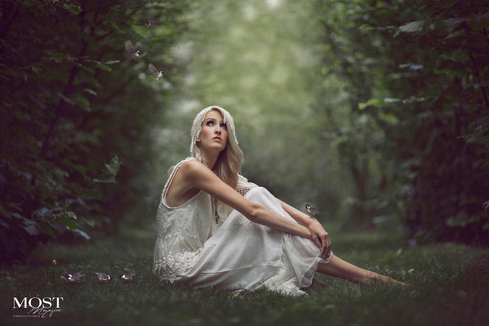 Nikki-Harrison_Lost-in-Childhood_1.jpg