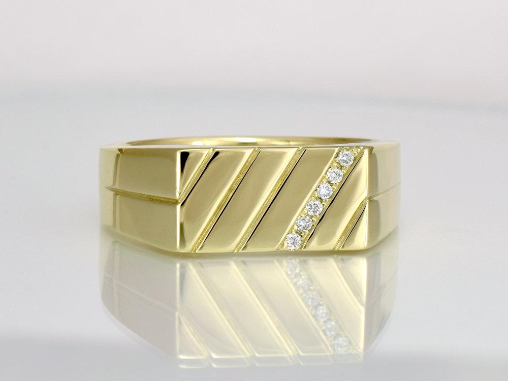 14ct yellow gold - 6 x .01ct diamonds