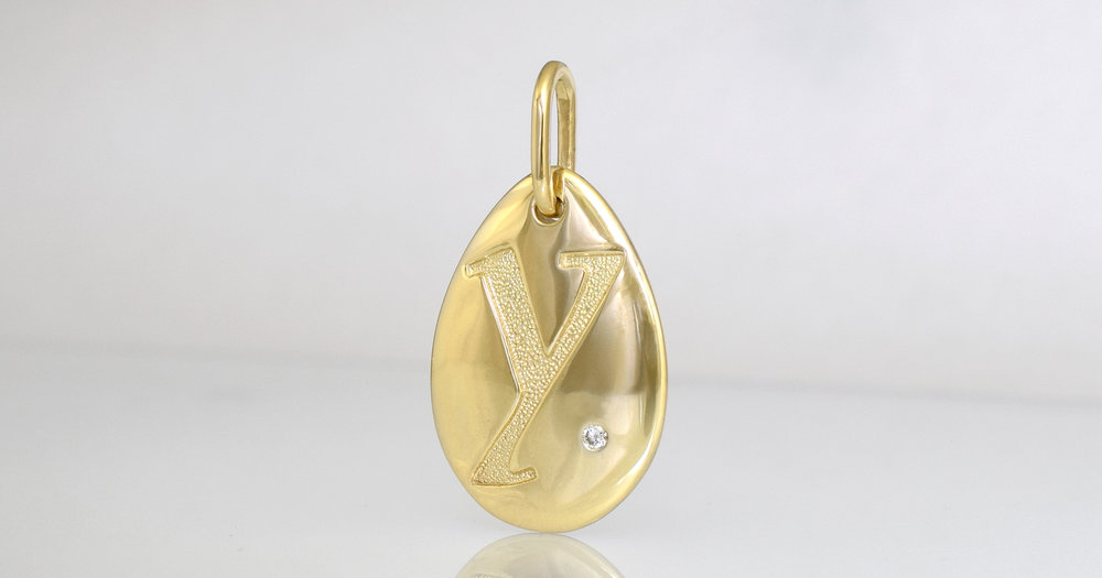 Letter Y in 9ct yellow gold