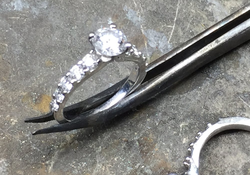 The proposal ring with the first of the main claws cut off.