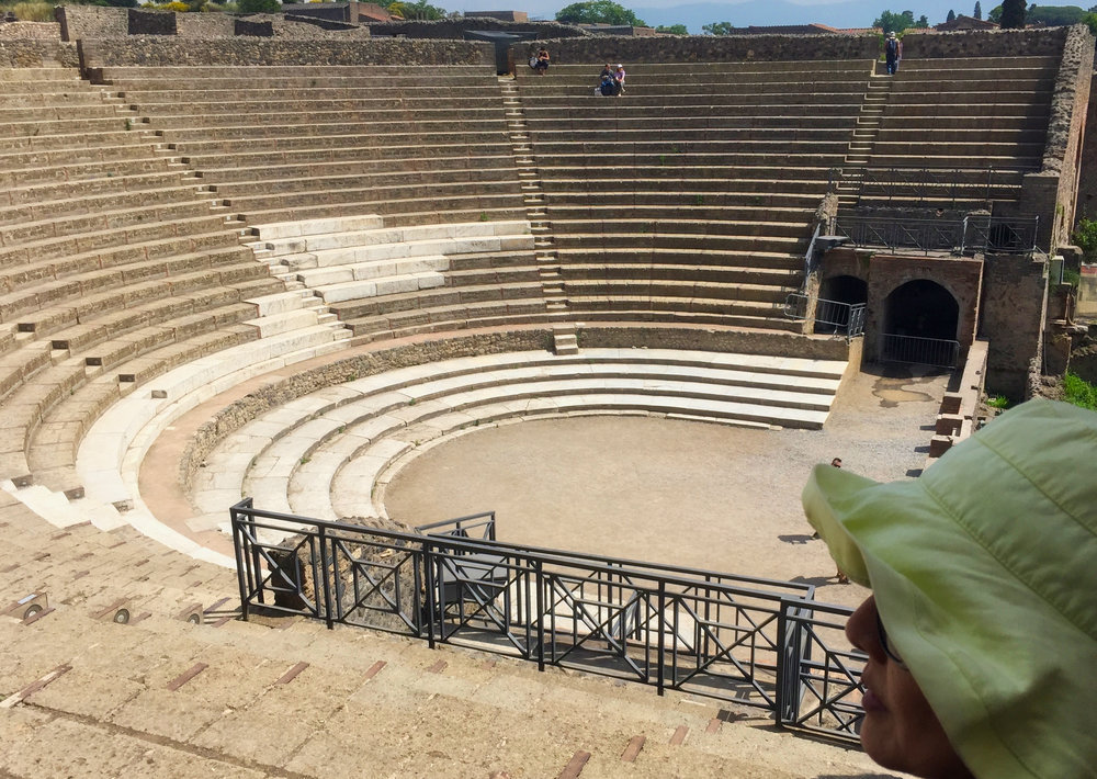 While Yumi took a rest in the shade in this theatre a tour guide for a Chinese group did an Opera performance.  Outstanding voice.