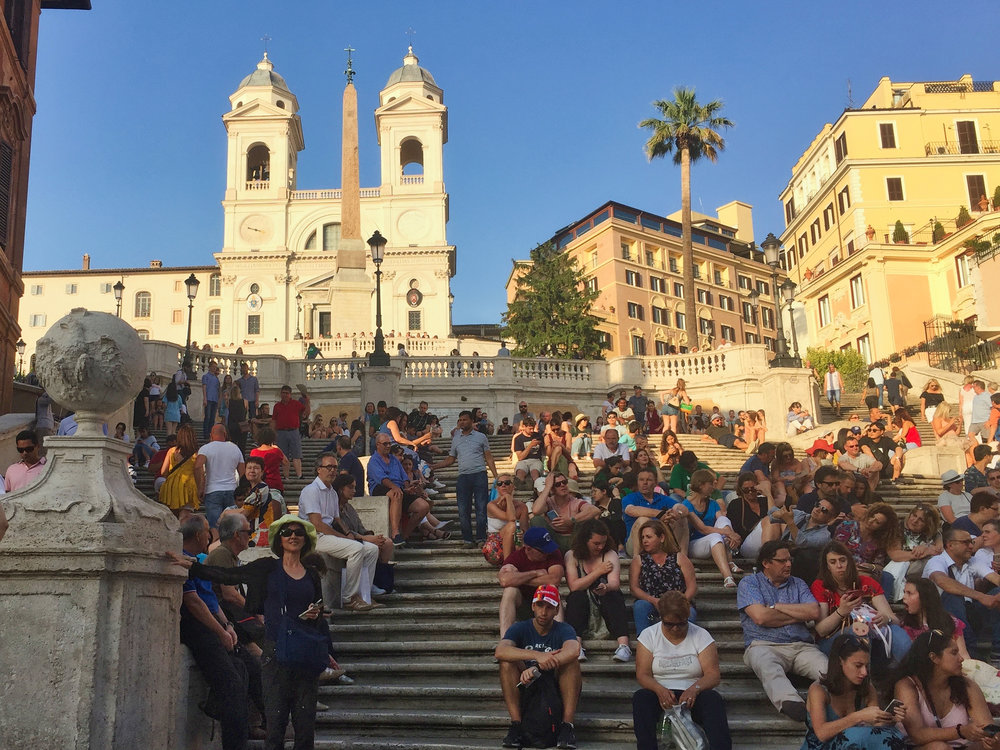 Forget where this was on the way to the fountain….. but it must have been important as lots of people were sitting on the stairs and watching.