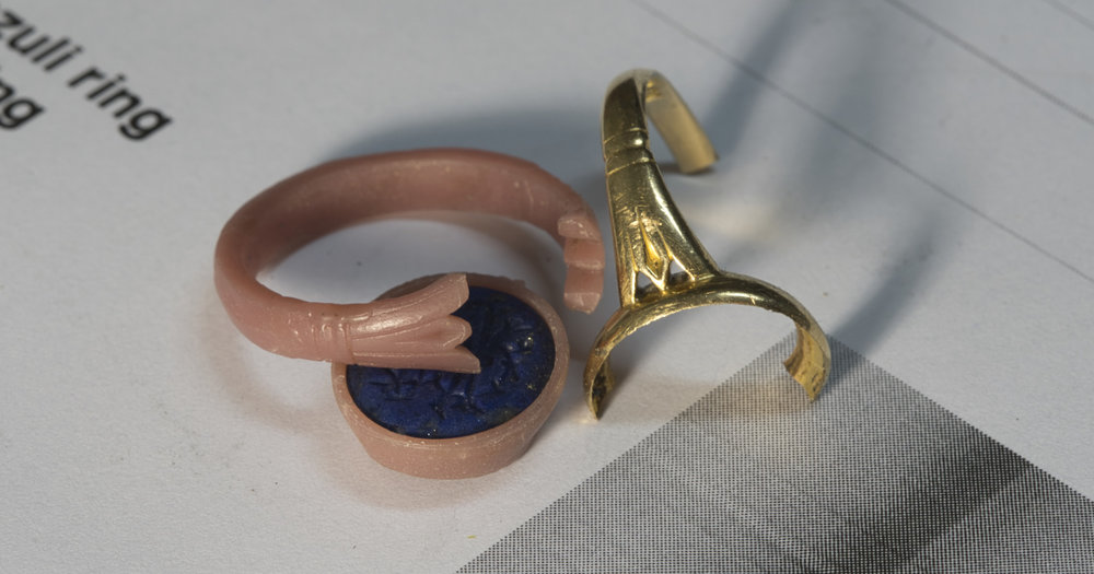 The new ring in two pieces of wax.