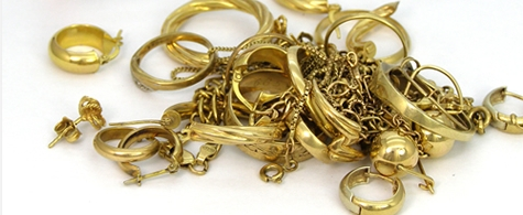 A pile of jewellery chain product in need of repairs.