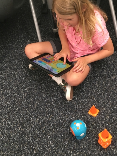 coding dash and dot robots in our 21st century makerspace!