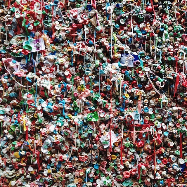Today we checked out the Pike Place Market, stores along the piers, and, of course, the (in)famous gum wall. It was every bit as gross as I had imagined, up until the point I reached into my mouth, stretched out the piece of gum I'd been chewing, and affixed it onto the wall.. (at which point disgust suddenly gave way to a bizarre, almost inappropriate sense of pride and fulfillment.. 😏) #gumwall #seattle #washington #postalley #pikeplacemarket #pnw #visitseattle #travel #roadtrip
