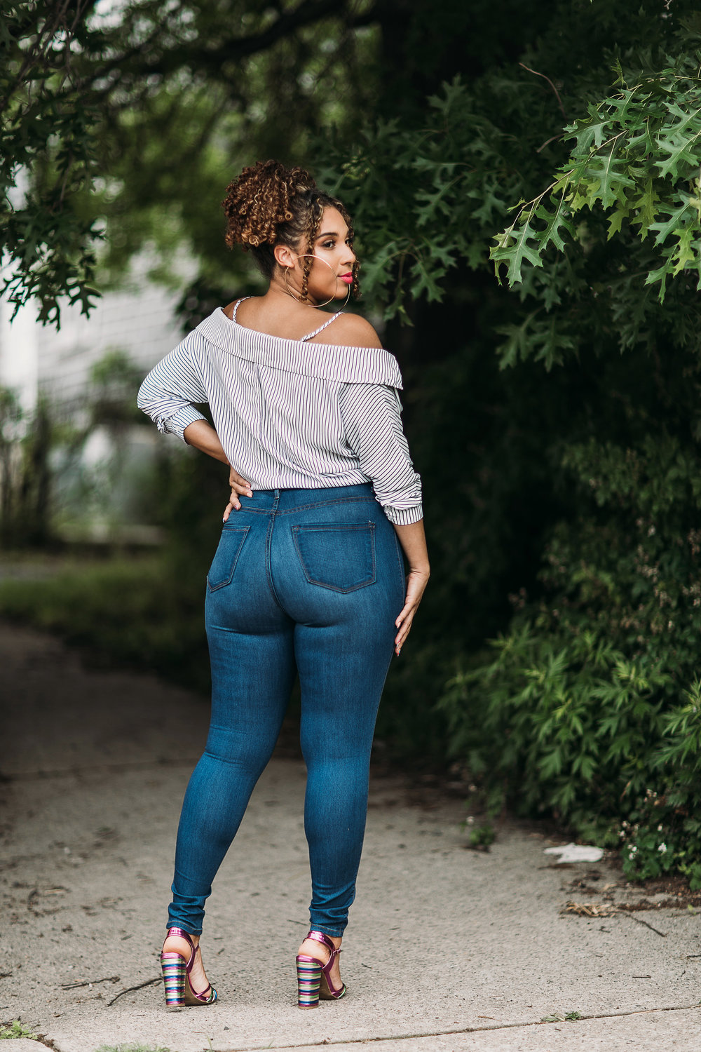 ab2bea1c63 Have you ever tried Fashion Nova jeans before  Are you obsessed like me  If  so let me know if you size up or down in the comments below!