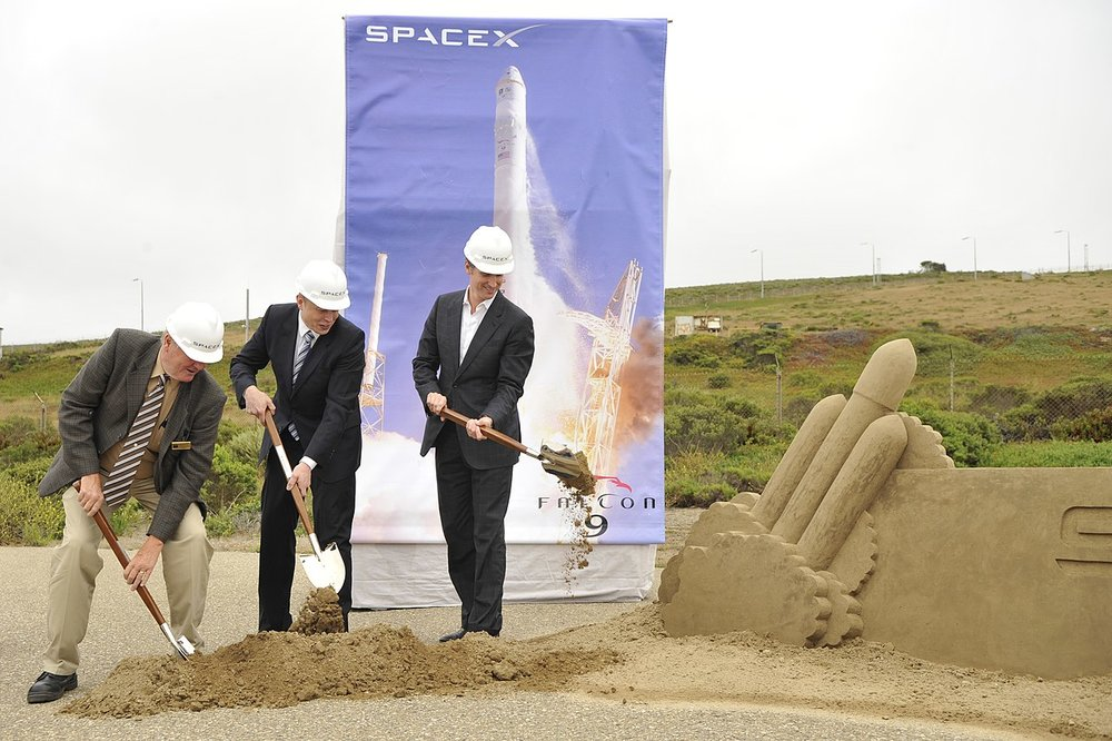SpaceX Founder Elon Musk at a ground breaking ceremony at Vanderberg Air Force Base. Photo: Public Domain via Wikimedia Commons