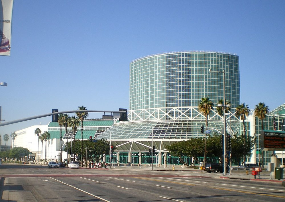 1200px-Los_Angeles_Convention_Center.JPG