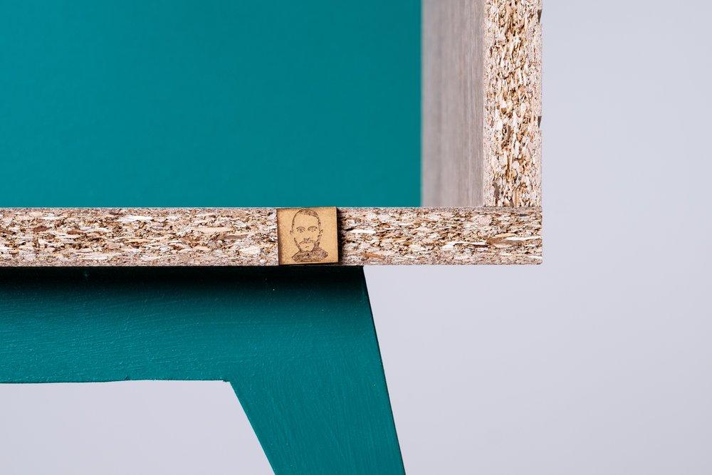atelier emmaus henri gravé vert pin focus.jpg