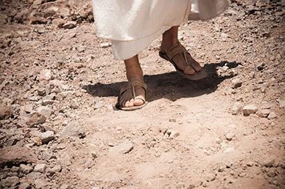 sandalsfeetwalking-271x408