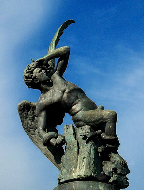 devil-fall-heaven-statue