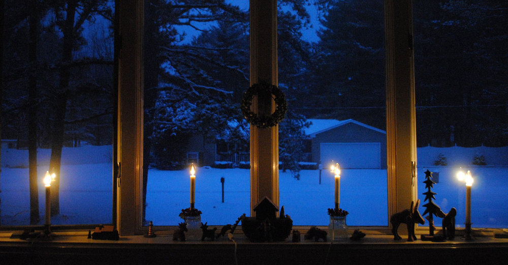 Christmas-eve-candles-window.jpg