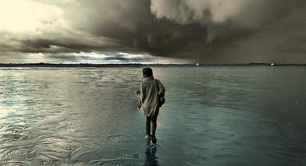walking-sand-storm.jpg