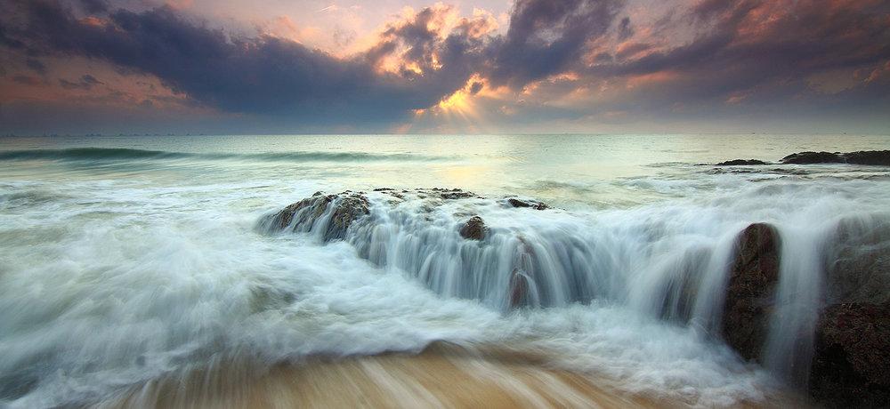 ocean-sunrise-1634125-1500x690.jpg