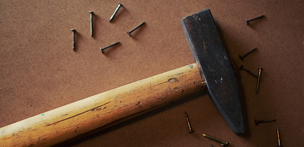 hammer-926572_1920-1500x726.jpg