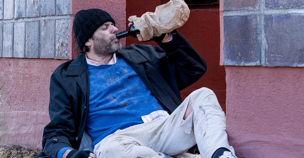 shutterstock_527756962-drunk_drinking_in_street-1500x780.jpg