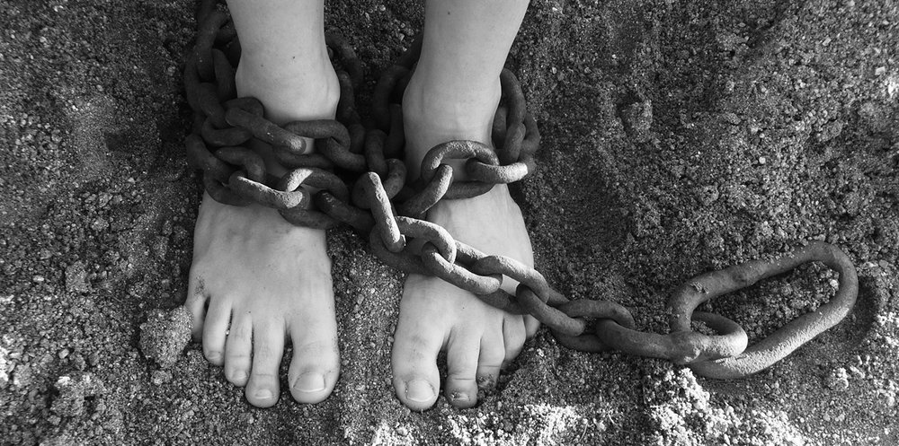 chains-19176-kids_feet-Pixabay-1500x746.jpg