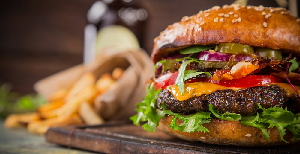 shutterstock_414059476-cheeseburger-1500x772.jpg