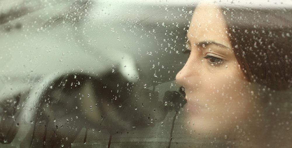 shutterstock_270757580-woman_sad_car-1500x762.jpg