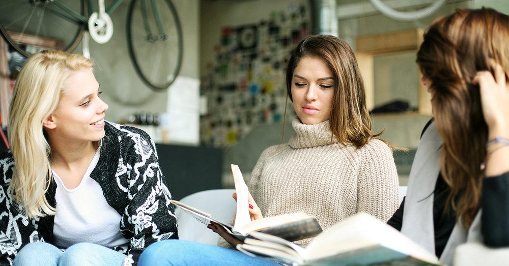 shutterstock_536596432-women_friends_talking_studying-1500x785.jpg