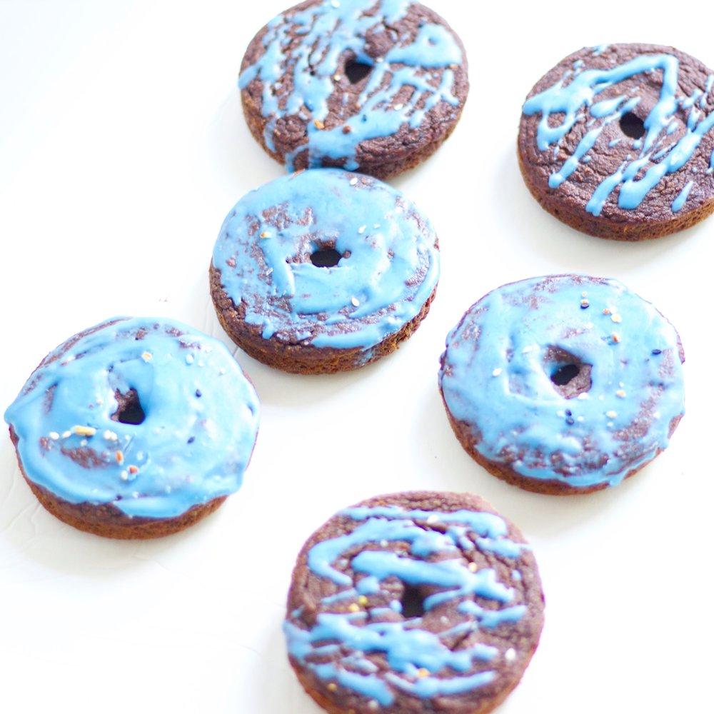 bakechocolatedoughnuts1