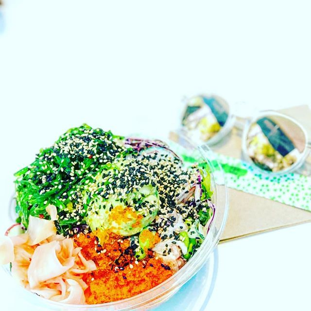 Late Sunday afternoon Poke feels with @dinewithb__ 😎 open till 9pm at Bulimba & Southbank. Finish the week off with a healthy food choice ✔️