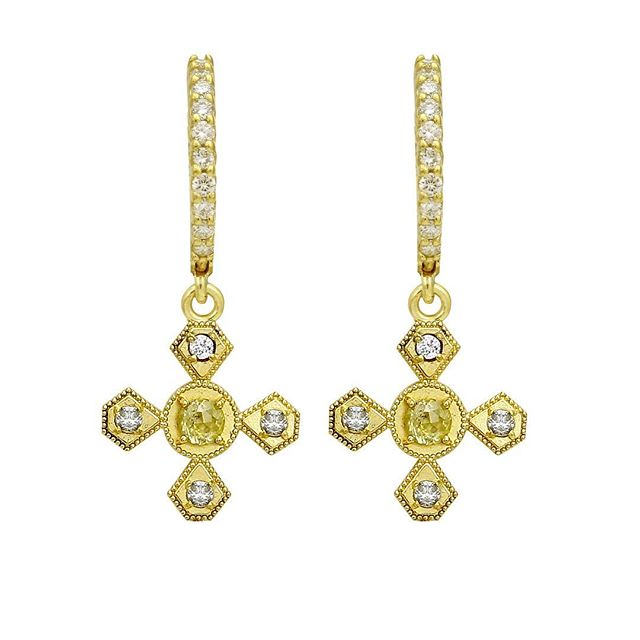 Now these earrings!! Rustic rose cut diamonds with full cut diamonds encrusted in 18k yellow gold.  #rawelegance #rusticdiamonds #rosecutdiamond #18k #18kgold #designer #designerjewelry #stylist #fashionblogger #earrings #dangling #fashionstylist #diamonds #huggies #elegantjewelry #heirloom #redcarpet #celebrityjeweler #madeinla #santamonica #malibu #beadedjewelry #750gold #creative #earrings #dangling #jewelryporn #amynthejeweler #newdesign #jewelrystore