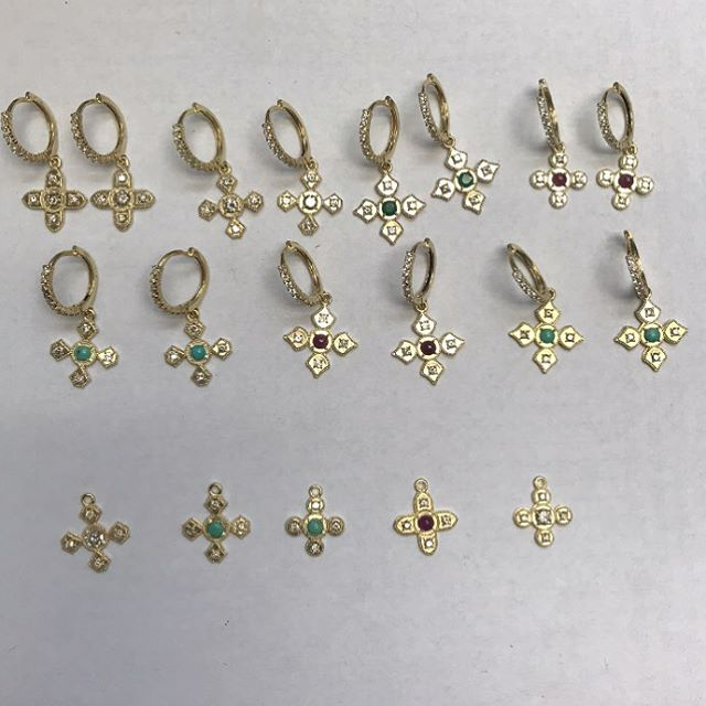 These beauties are on their way to @metalmarkfinejewelry in Carmel Indiana!! Always set in 18k gold.  #elegance #emerald #ruby #turquoise #diamonds #18k #18kgold #designer #metalmarkfinejewelry #designerjewelry #elegantjewelry #heirloom #redcarpet #celebrityjeweler #madeinla #santamonica #malibu #beadedjewelry #750gold #creative #earrings #dangling #jewelryporn #amynthejeweler #newdesign #jewelrystore