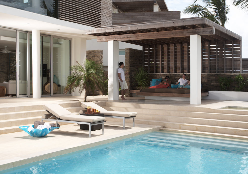 INFINITY POOL AND OUTDOOR DAY BED - NORTH VILLA
