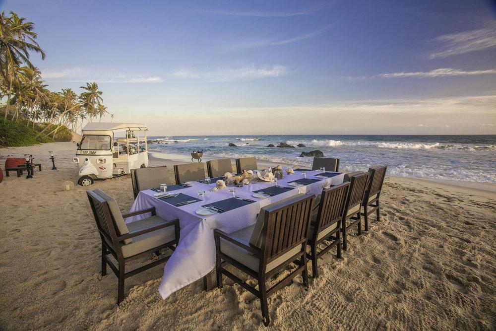 الطعام على الشاطئ