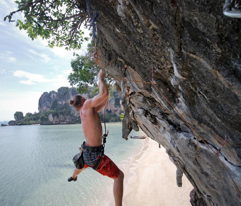 AniVillas_Thailand_RockClimbing