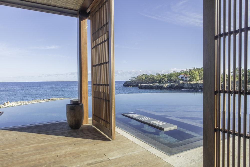 حمام سباحة لاريمار
