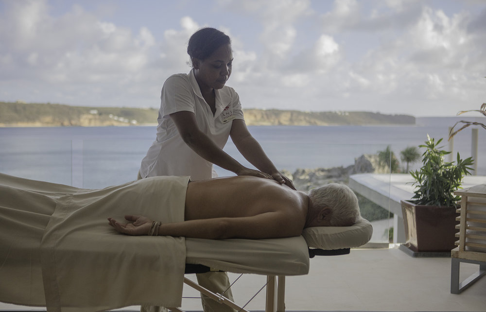 LUXURY INCLUSIONS: DAILY MASSAGES
