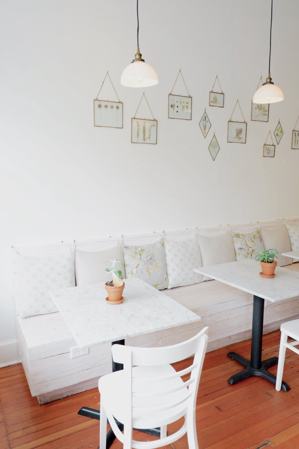 Nourish-cafe-sitting-area