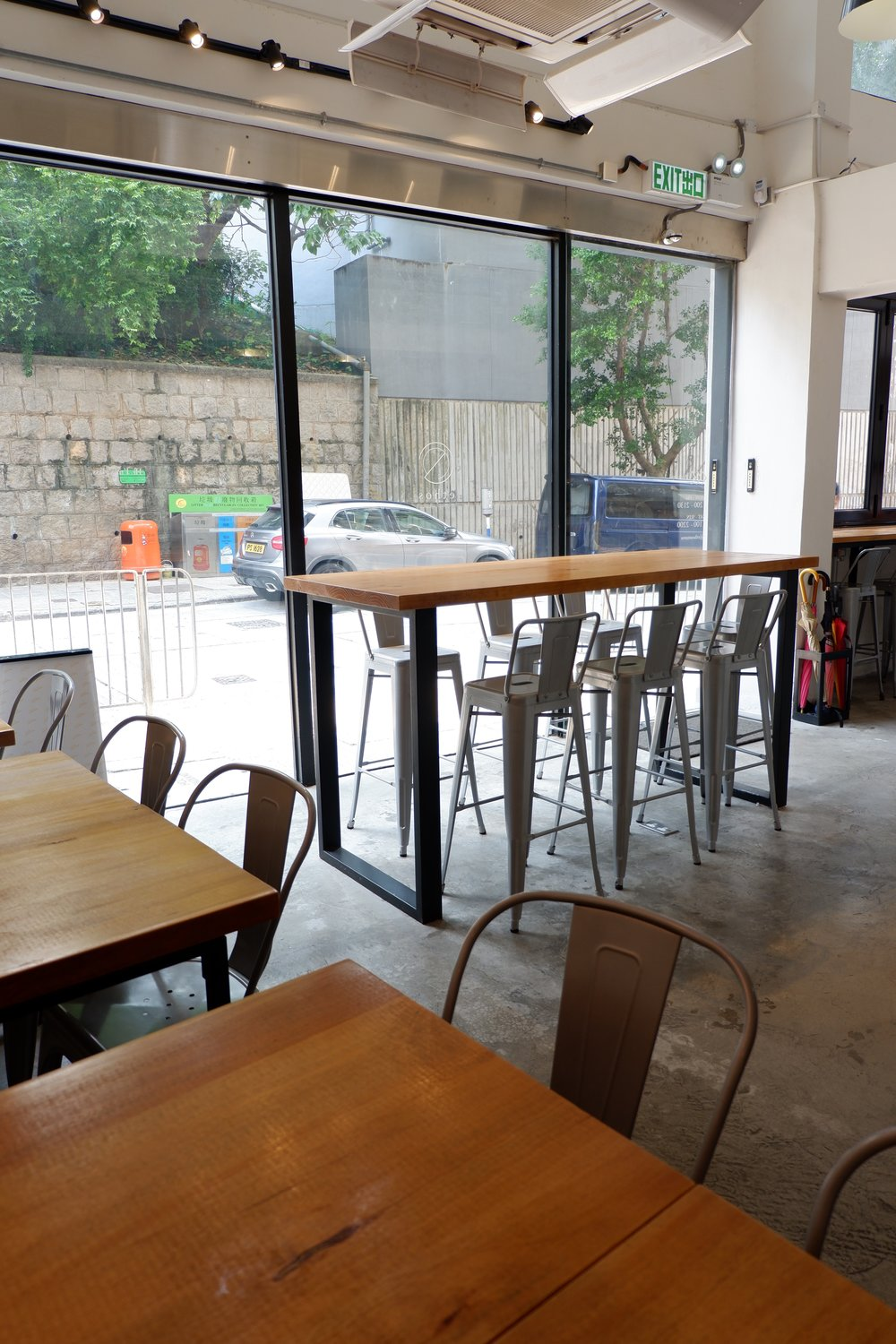 industrial-style-chair-and-table-at-ethos-cafe