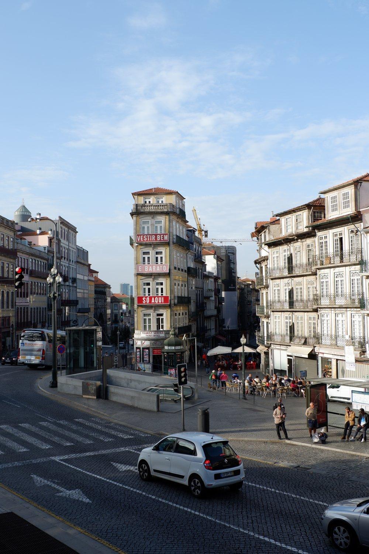 Beginning-of-rua-das-flores
