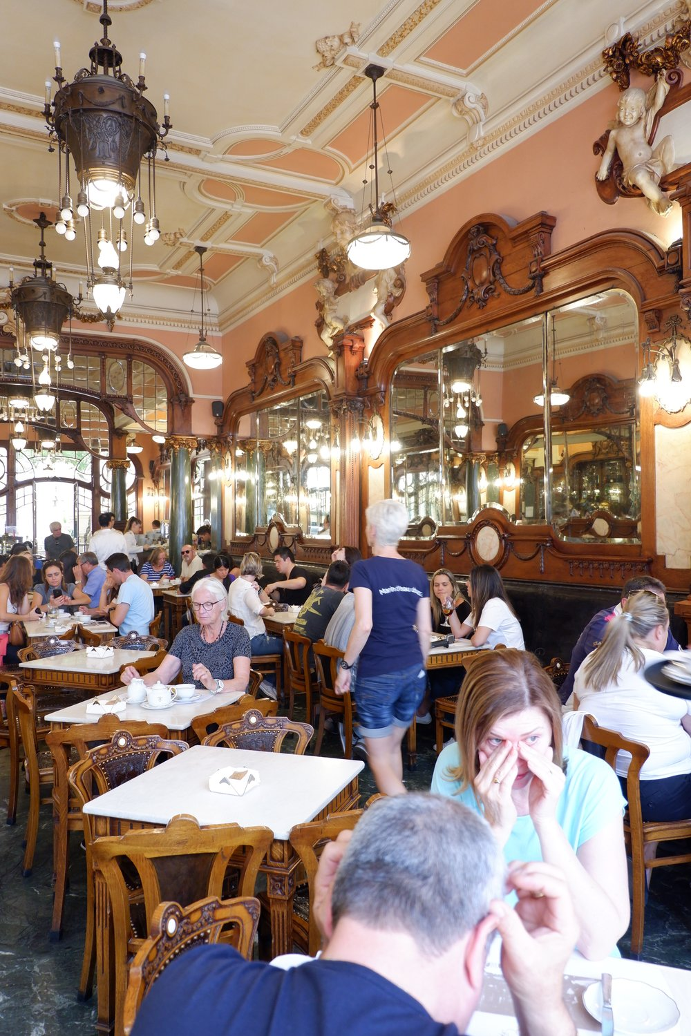 Interior-and-ceiling-of-majestic-cafe